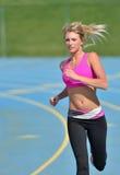 Oszałamiająco blondynki kobieta - sprawność fizyczna model Obrazy Royalty Free