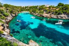 Oszałamiająco podpalana Cala Pi plaża na Majorca wyspie Hiszpania obrazy royalty free