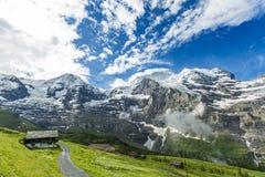 Oszałamiająco widok górski przy Lauterbrunnen Zdjęcie Stock