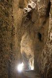 Oszałamiająco widok wśrodku jamy z promieniami robi ich sposobowi inside światło zdjęcia royalty free