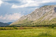 Oszałamiający góry strony krajobraz obrazy royalty free