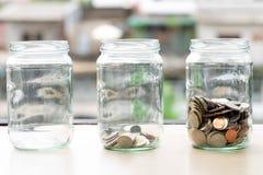 Oszczędzanie pieniądze moneta akumulująca zdjęcie stock