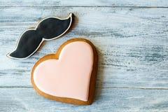 Oszklony ciastko kształtujący jako serce Obrazy Stock