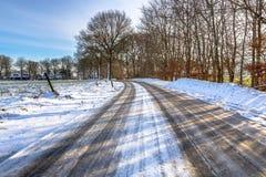 Oszklony lód na wsi drodze Fotografia Stock
