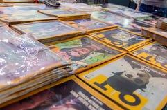 OT περιοδικά που επιδεικνύονται σε μια στάση στην έκθεση βιβλίων Εσκί Σεχίρ στοκ εικόνα