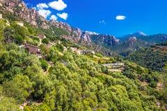 Ota miasteczko z górami w tle blisko Evisa i Pora Obrazy Royalty Free
