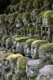 Статуи камня Otagi Nenbutsu-ji Стоковые Фото
