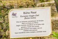 OTAVALO, EQUATEUR - 29 MAI 2018 : Vue extérieure de signe instructif du duc eurasien, bubo de Bubo au parc de condor dedans photo libre de droits