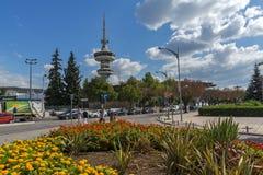 OTE kwiaty w przodzie w mieście Saloniki i wierza, Środkowy Macedonia, Grecja Obraz Royalty Free