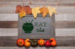 Otoño, calabazas en fondo de madera Halloween, acción de gracias Imagen de archivo libre de regalías