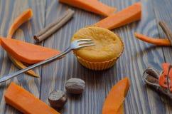 Otoño del colorante en color anaranjado: molletes de la calabaza Foto de archivo libre de regalías
