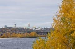 Otoño del oro en el río de Dnieper Foto de archivo libre de regalías