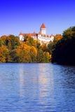 Otoño en el castillo. Foto de archivo libre de regalías