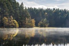 Otoño en el lago Garten en Escocia Imágenes de archivo libres de regalías