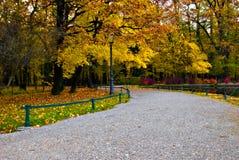 Otoño en el maksimir del parque en Zagreb Imagenes de archivo