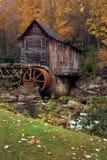 Otoño en el molino del grano para moler Imagenes de archivo
