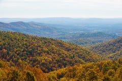 Otoño en Ridge Mountains azul Fotografía de archivo