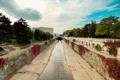 Otoño en Stadtpark - parque de la ciudad - Viena imagen de archivo