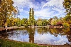 Otoño en Stadtpark - parque de la ciudad - Viena fotografía de archivo libre de regalías