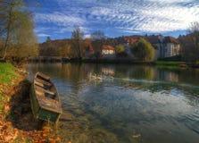Otocec城堡,斯洛文尼亚-秋天图片 免版税库存照片