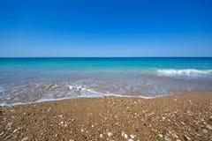 Otoczak plaża przy Grecja obrazy royalty free