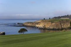 Otoczaka Plażowy pole golfowe, Monterey, Kalifornia, usa Fotografia Stock
