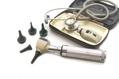 Otoscope и Opthalmoscope установили для рассмотрения глаза уха с стетоскопом Стоковое Изображение RF