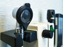 Otoscopio in un clinik medico immagini stock libere da diritti