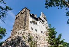 Otręby kasztel na kamiennej skale, Rumunia Antyczny dom wampir Dracula obraz stock