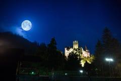 Otręby kasztel w Karpackich górach od Rumunia obraz royalty free