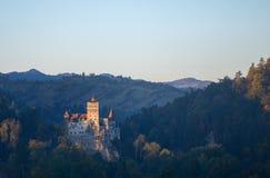 Otręby lub Dracula kasztel w Transylvania, Rumunia Kasztel lokalizuje na górze góry fotografia royalty free