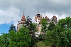 Otr?by kasztel, tak?e zna jako Dracula ` s kasztel, Brasov, Rumunia zdjęcia royalty free