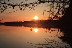 Otra imagen de un lago con agua en ella esa fluye Imagenes de archivo