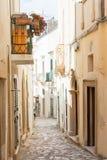 Otranto, Apulien - ein träumerisch Durchgang innerhalb der alten Stadt von Otr stockbild