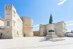 Otranto, Apulien - eine historische Statue am Stadttor von Otranto stockbilder