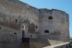 Otranto - Italien - Augusti 02, 2016: Den Aragonese slotten Arkivfoton