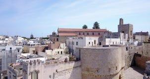 Otranto med den Aragonese slotten, Apulia, Italien arkivfilmer
