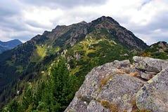 Otrhance (Osarpance) bergskedja i Zapadne Tatry berg Royaltyfri Bild