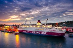 Otta i porten av Marienhamn, färja Viking Line Rosel Fotografering för Bildbyråer