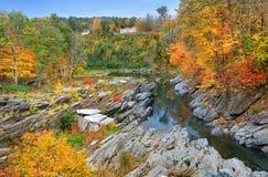 Ottauquechee flod nära Woodstock Vermont royaltyfria bilder