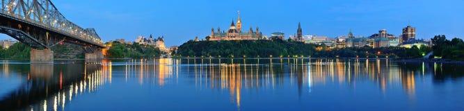 Ottawa bij nacht Stock Foto's