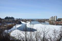 Ottawa flod i vintern, Ottawa, Kanada Arkivbild