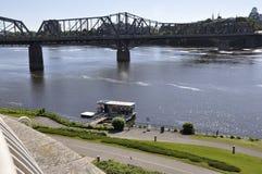 Ottawa, am 26. Juni: Ottawa-Flussbank-Landschaft und Alexandra Bridge von Gatineau in Ontario-Provinz Lizenzfreies Stockfoto