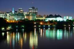 Ottawa przy nocą Zdjęcia Royalty Free
