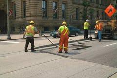 Ottawa-Schlagloch-Reparatur-Besatzung lizenzfreies stockbild