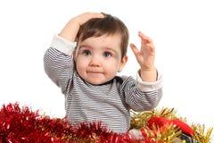 Otto mesi di bambino all'interno di una casella Fotografia Stock