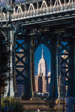 23 ottobre 2016 - il ponte di Manhattan incornicia l'Empire State Building, NY NY Fotografie Stock
