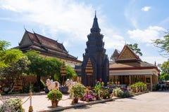 26 ottobre 2018 - Siem raccoglie:: scultura a Wat Preah Prom Rath fotografia stock libera da diritti