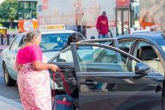 2 ottobre 2014: Washington, DC - la gente che attraversa through l'unione Fotografia Stock Libera da Diritti