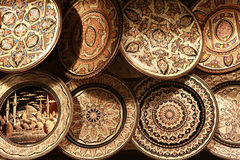 Ottomanen utformar förkopprar dekorativt anmärker i den storslagna basaren, Istanbul. royaltyfri bild